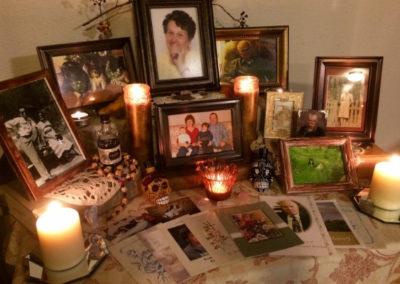 Jednoduchý domácí oltář předků