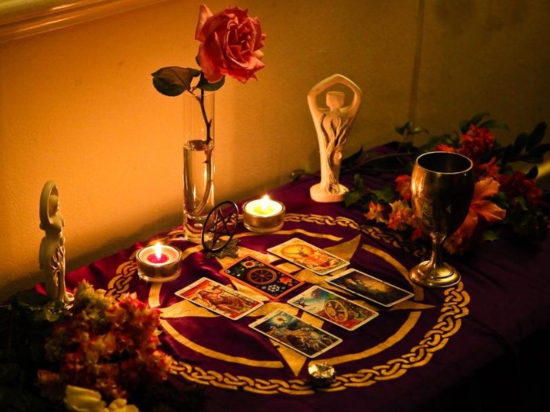 Vánoční oltář se soškou Velké Bohyně