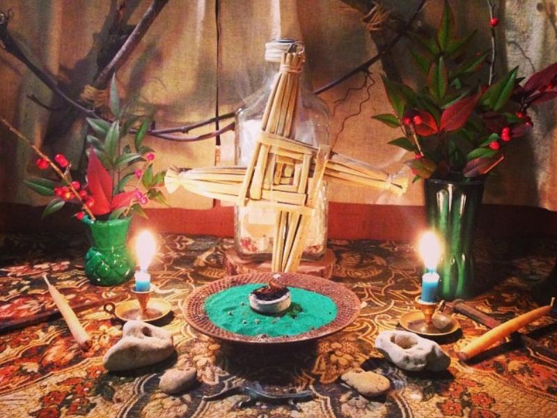 Oltář bohyně Brigid na svátek Imbolc